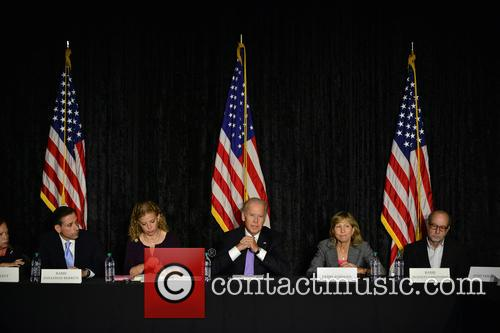 Jane Levy, Rabbi Jonathan Berkun, Rep. Debbie Wasserman Shultz, Vice President Joe Biden, Debby Eisinger and Rabbi Bennett Greenspon 1