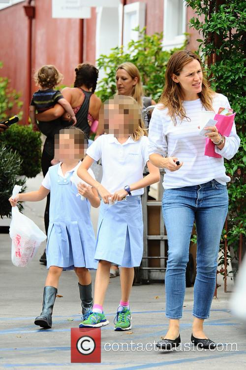Jennifer Garner, Seraphina Affleck and Violet Affleck