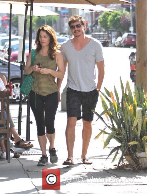 Pedro Pascal and Robin Tunney 4