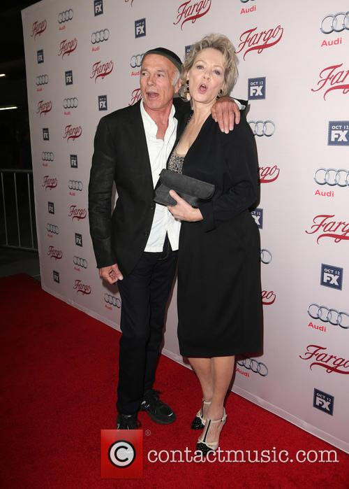 Michael Hogan and Jean Smart 3