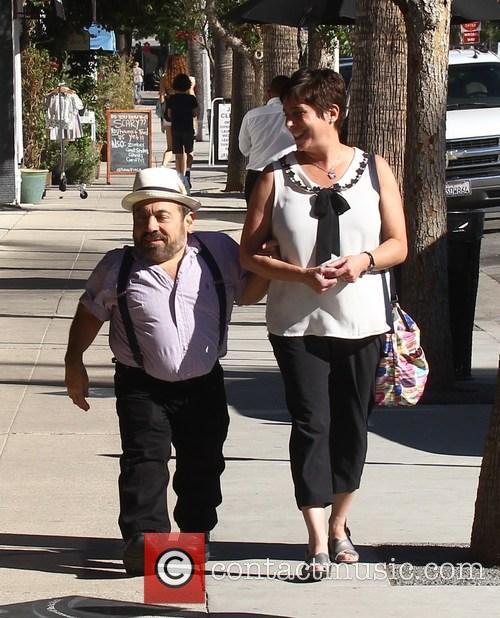 Danny Woodburn and Rachel Goldberg 7