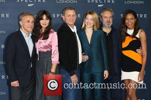 Monica Bellucci, Daniel Craig, Lea Seydoux, Naomie Harris and Christoph Waltz 4