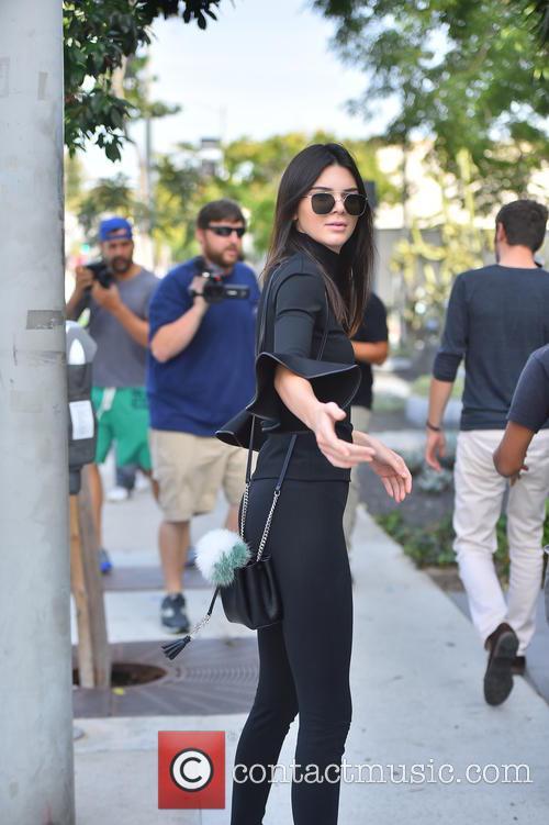 Cara Delevingne, Kendall Jenner and Gigi Hadid 5