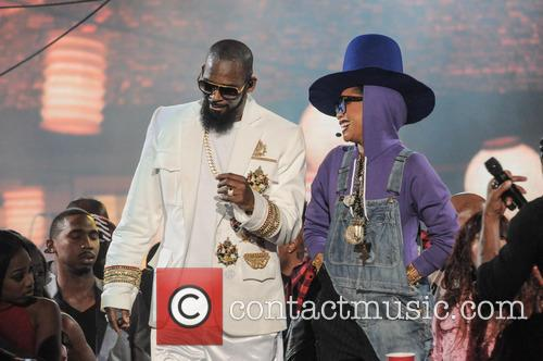R. Kelly and Erykah Badu