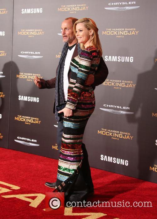 Elizabeth Banks and Woody Harrelson