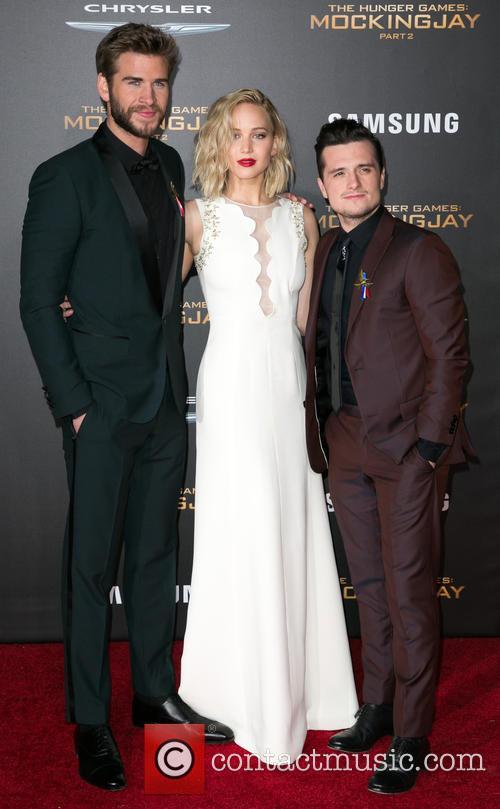 Liam Hemsworth, Jennifer Lawrence and Josh Hutcherson 4