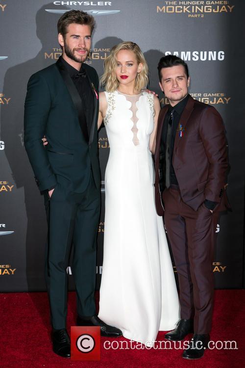 Liam Hemsworth, Jennifer Lawrence and Josh Hutcherson 7