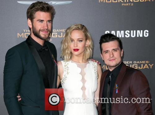 Liam Hemsworth, Jennifer Lawrence and Josh Hutcherson 8