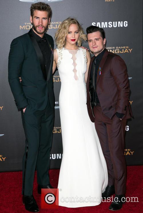 Liam Hemsworth, Jennifer Lawrence and Josh Hutcherson 9