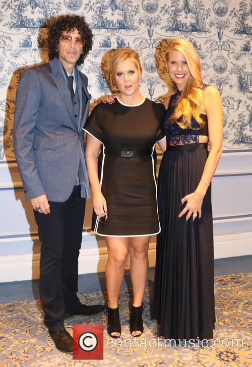 Howard Stern, Amy Schumer and Beth Ostrosky Stern 4