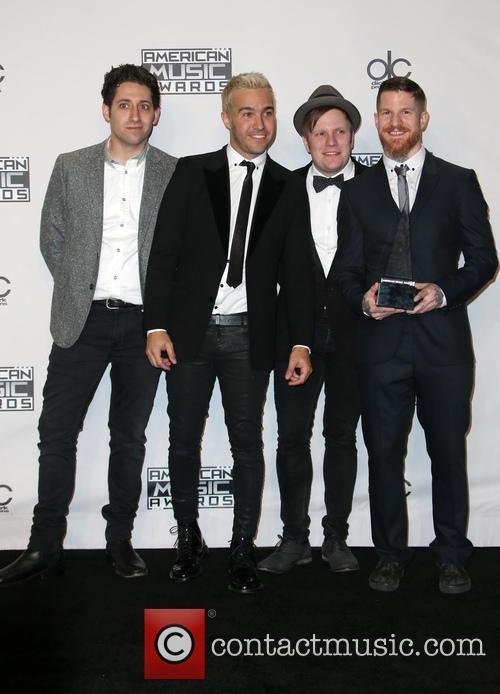 Joe Trohman, Pete Wentz, Patrick Stump, Andy Hurley and Of Fall Out Boy 2