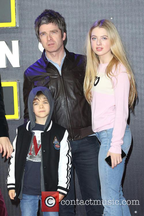 Noel Gallagher, Daughter Anais and Son Sonny 1