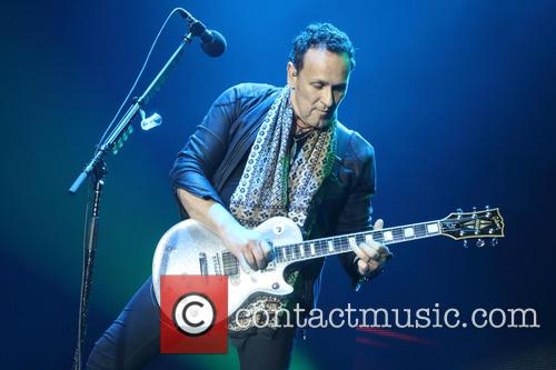Def Leppard and Vivian Campbell 6