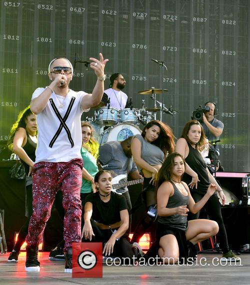 Pitbull and Yandel 3