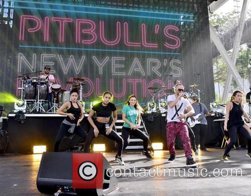 Pitbull and Yandel 5