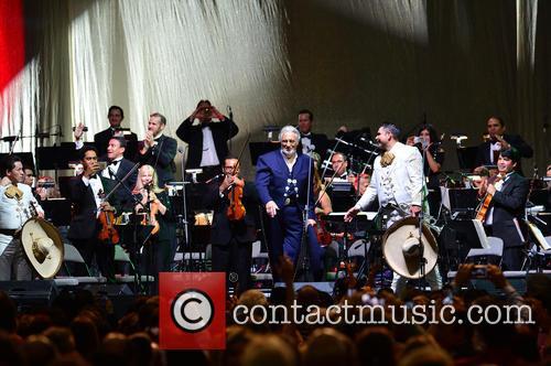 Placido Domingo and Mariachi Si Senor 1