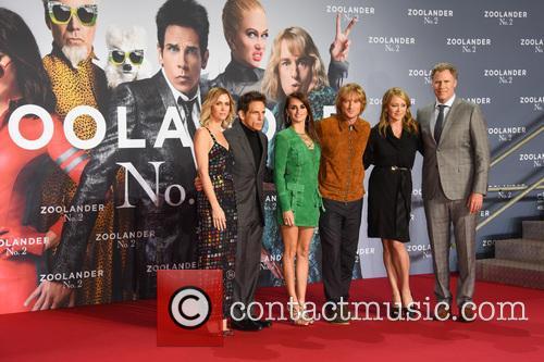Justin Theroux, Kristen Wiig, Ben Stiller, Penelope Cruz, Owen Wilson, Christine Taylor and Will Ferrell 11