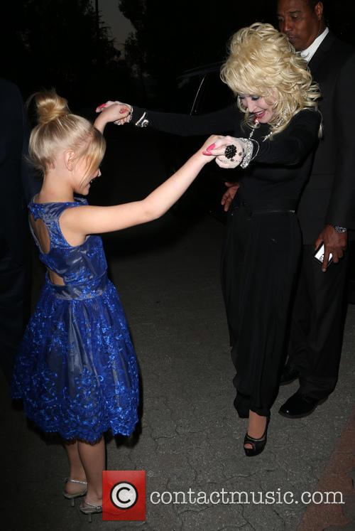 Dolly Parton and Alyvia Alyn Lind 6