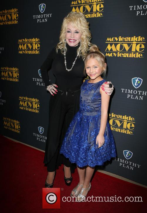 Dolly Parton and Alyvia Alyn Lind 8