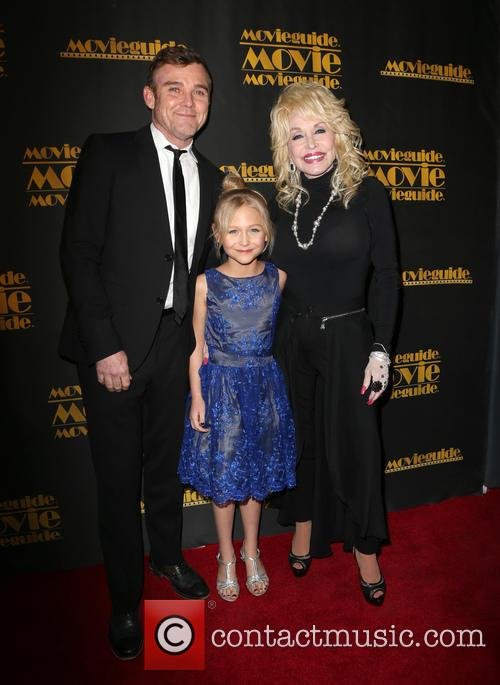 Ricky Schroder, Alyvia Alyn Lind and Dolly Parton