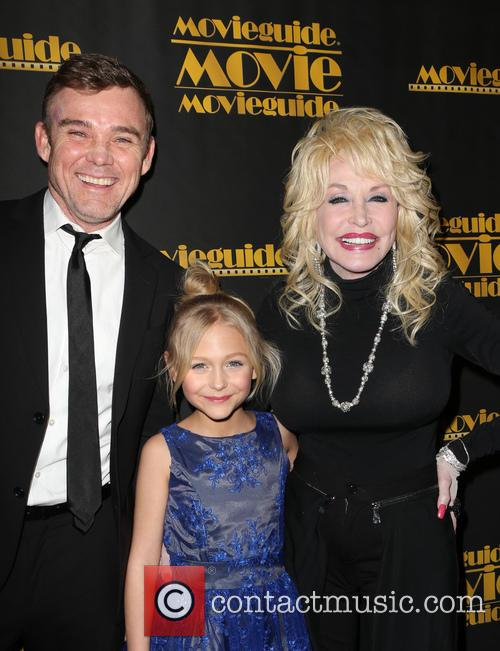 Ricky Schroder, Alyvia Alyn Lind and Dolly Parton 9