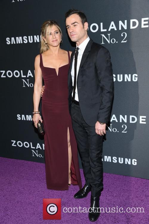 Jennifer Aniston and Justin Theroux 8