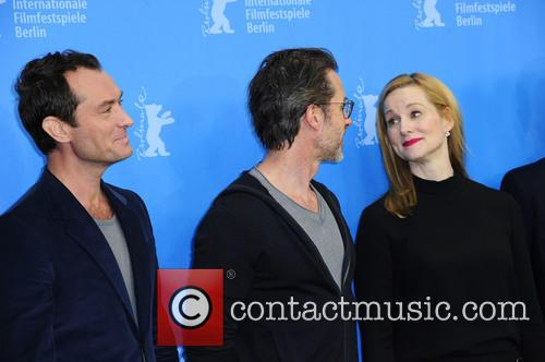 Jude Law, Guy Pearce and Laura Linney 1