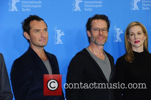 Jude Law, Guy Pearce and Laura Linney 2