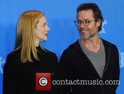 Guy Pearce and Laura Linney