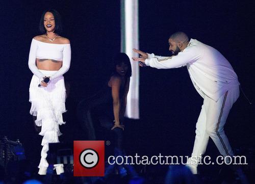 Rihanna and Drake 4