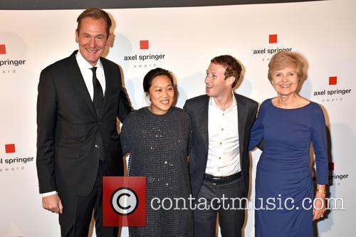 Mathias Doepfner, Priscilla Chan, Mark Zuckerberg and Friede Springer 7