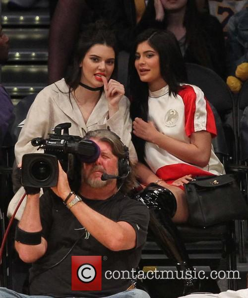 Kylie Jenner and Kendall Jenner 8