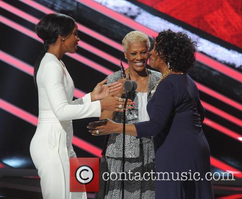 Kelly Rowland, Dionne Warwick and Gladys Knight 4