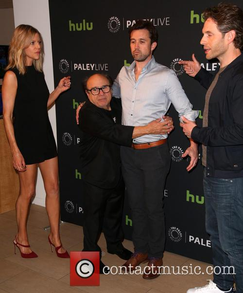 Kaitlin Olson, Danny Devito, Rob Mcelhenney and Glenn Howerton