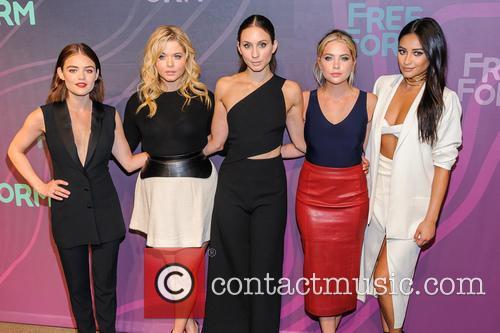 Lucy Hale, Sasha Pieterse, Troian Bellisario, Ashley Benson and Shay Mitchell 2