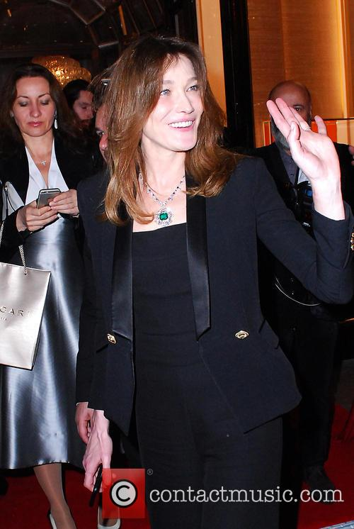 Carla Bruni and Bond 2
