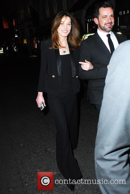 Carla Bruni and Bond 5