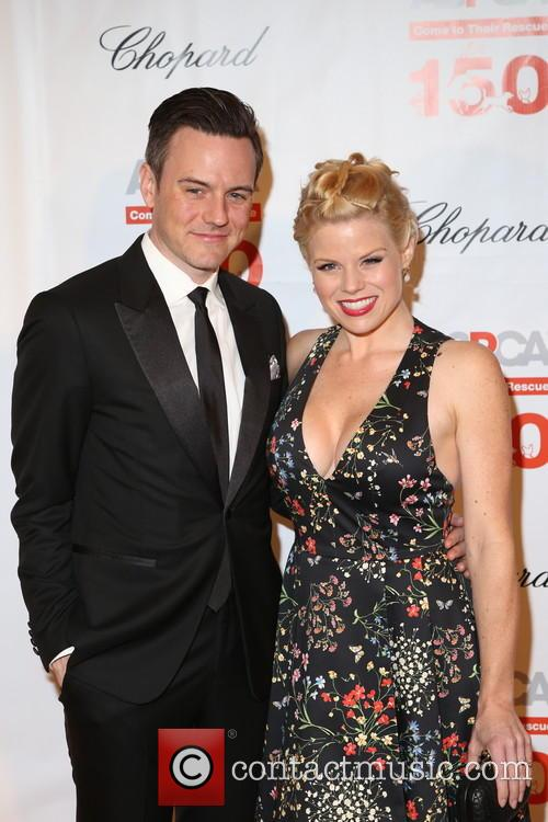 Guest and Megan Hilty 7