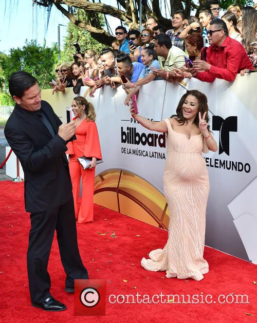 Gomez, Carolina Sandoval and Billboard 1