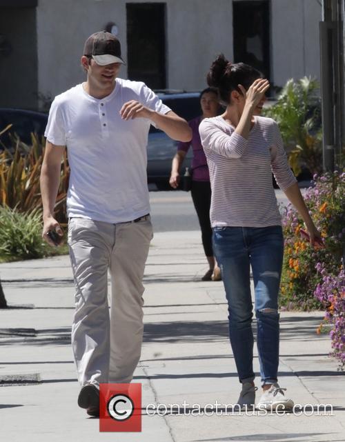 Mila Kunis and Ashton Kutcher 2