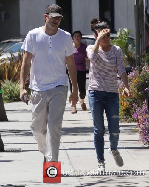Mila Kunis and Ashton Kutcher 4