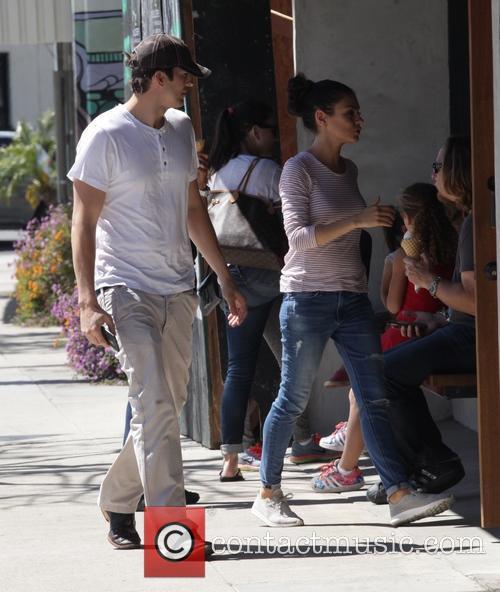 Mila Kunis and Ashton Kutcher 11