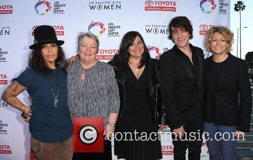 Linda Perry, Lorri L. Jean, Annie Goto, Brent Bolthouse and Kelly Lynch 7