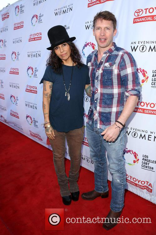 Linda Perry and James Blunt 9