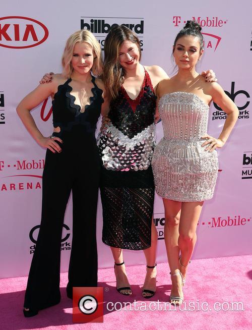 Kristen Bell, Kathryn Hahn and Mila Kunis 3