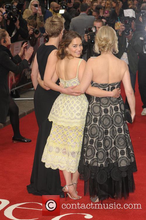 Emilia Clarke, V and Jojo Moyes 7