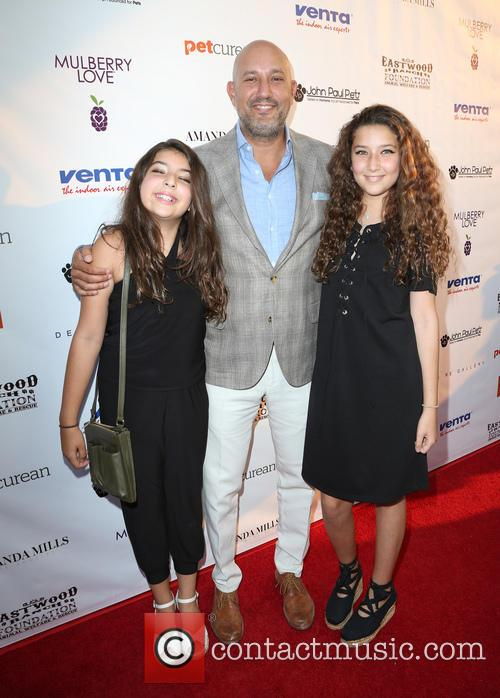 Jeff Wachtel and Daughters 5