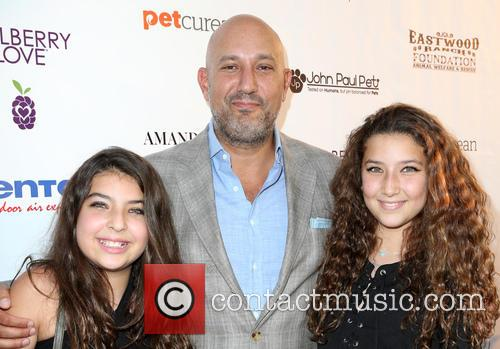 Jeff Wachtel and Daughters 9