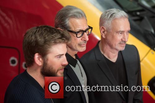 Liam Hemsworth, Jeff Goldblum and Roland Emmerich 8