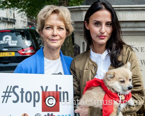 Jenny Seagrove and Lucy Watson 4